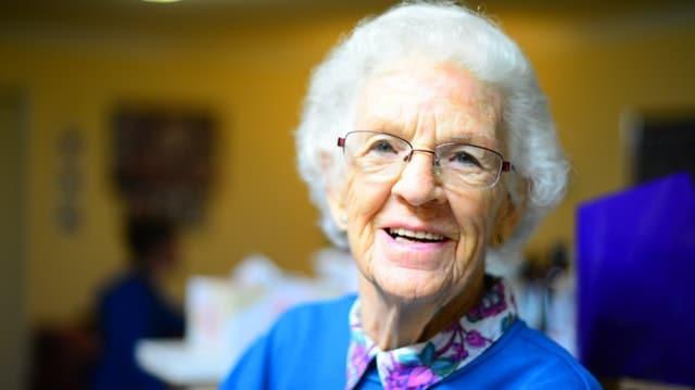 קליפ במתנה לסבתא גיל 80